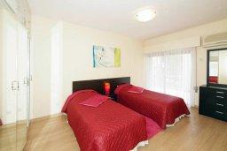 Спальня 2. Кипр, Гермасойя Лимассол : Апартамент в 25 метрах от моря, с большой гостиной и тремя отдельными спальнями, для 6 человек