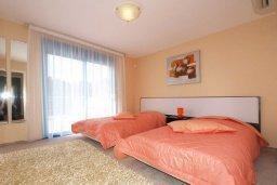 Спальня 2. Кипр, Гермасойя Лимассол : Апартамент в комплексе с бассейном, с большой гостиной, тремя отдельными спальнями и двумя ванными комнатами, для 6 человек