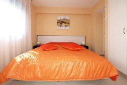 Спальня. Кипр, Гермасойя Лимассол : Апартамент в комплексе с бассейном, с большой гостиной, тремя отдельными спальнями и двумя ванными комнатами, для 6 человек
