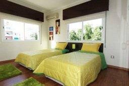 Спальня 3. Кипр, Центр Лимассола : Апартамент в 50 метрах от пляжа, с балконом и видом на море, с большой гостиной, тремя отдельными спальнями и двумя ванными комнатами, для 6 человек