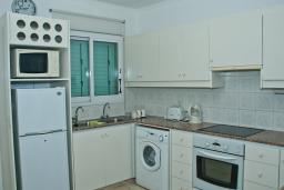 Кипр, Св. Рафаэль Лимассол : Апартамент с гостиной, двумя отдельными спальнями и двумя ванными комнатами, для 4 человек