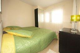 Спальня 2. Кипр, Гермасойя Лимассол : Апартамент в 15 метрах от пляжа, с балконом и видом на море, с гостиной, двумя отдельными спальнями и двумя ванными комнатами, для 4 человек