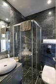 Ванная комната. Кипр, Пафос город : Шикарная вилла с панорамным видом на море, с 3-мя спальнями, с бассейном, расположена в Пафосе
