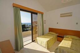 Кипр, Киссонерга : Уютная вилла с 3-мя спальнями, с бассейном, с приватным двориком с барбекю, расположена в Coral Bay