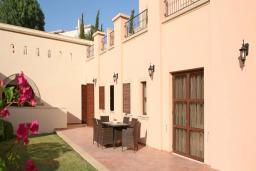 Кипр, Афродита Хиллз : Апартамент с гостиной, двумя отдельными спальнями и двумя ванными комнатами, для 4 человек