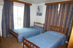 Спальня 3. Кипр, Декелия - Ороклини : Двухэтажная вилла недалеко от пляжа с балконом и видом на море, 4 спальни, 2 ванные комнаты, дворик с барбекю, Wi-Fi
