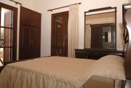 Кипр, Помос : Уютная вилла с видом на море, с 2-мя спальнями,  с бассейном, приватным двориком с барбекю, расположена в Неа Димата