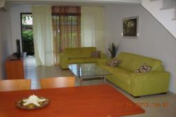 Кипр, Дасуди Лимассол : Двухуровневый мезонет с гостиной, двумя спальнями и двумя ванными комнатами, для 4 человек