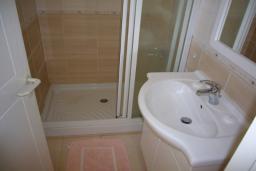 Ванная комната. Кипр, Мутаяка Лимассол : Апартамент 1 спальня, верхний этаж