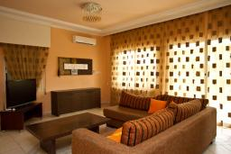 Кипр, Св. Рафаэль Лимассол : Вилла с 3-мя спальнями, с бассейном, беседкой с патио и барбекю, расположена в Лимассоле