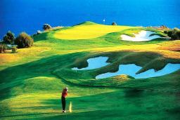 Кипр, Афродита Хиллз : Потрясающая вилла с 5-ю спальнями, с бассейном, зелёным садом с патио, расположена в Афродита Хиллз