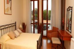Кипр, Афродита Хиллз : Потрясающая вилла с 4-мя спальнями, с бассейном, патио и барбекю, расположена в Афродита Хиллз