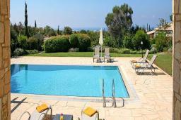 Кипр, Афродита Хиллз : Вилла с 3-мя спальнями, с бассейном, патио и барбекю, расположена в Афродита Хиллз