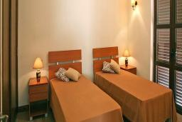 Кипр, Афродита Хиллз : Уютная вилла с 3-мя спальнями, с бассейном, патио и барбекю, расположена в Афродита Хиллз
