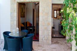 Кипр, Афродита Хиллз : Вилла с 2-мя спальнями, с бассейном, патио и барбекю, расположена в Афродита Хиллз