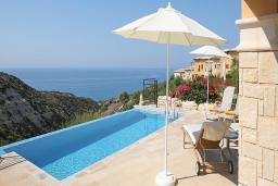 Кипр, Афродита Хиллз : Вилла с видом на море, с 2-мя спальнями и бассейном, расположена в Афродита Хиллз