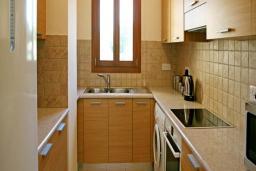Кипр, Афродита Хиллз : Апартамент с гостиной, тремя спальнями и двумя ванными комнатами, для 6 человек