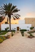Кипр, Св.Георг : Шикарная вилла с видом на море, с 5-ю спальнями, с бассейном, зелёным двориком с патио и барбекю, расположена в Coral Bay