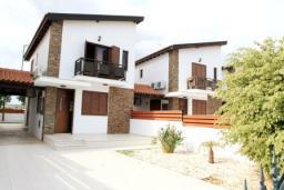 Фасад дома. Кипр, Декелия - Ороклини : Вилла с 2-мя спальнями и бассейном в Ларнаке