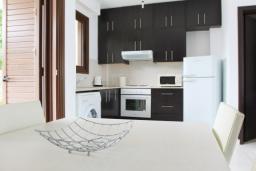 Кухня. Кипр, Декелия - Ороклини : Вилла с 2-мя спальнями и бассейном в Ларнаке