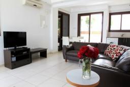 Гостиная. Кипр, Декелия - Ороклини : Вилла с 2-мя спальнями и бассейном в Ларнаке