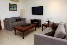 Кипр, Афродита Хиллз : Апартамент с гостиной и двумя отдельными спальнями, для 4 человек
