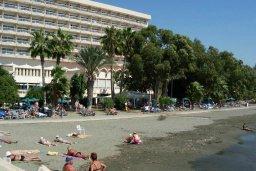 Пляж Poseidonia Beach в центре Лимассола