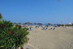 Пляж St.Raphael Beach в центре Лимассола