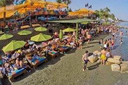 Пляж Guaba Beach в центре Лимассола