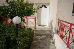 Вход. Кипр, Мутаяка Лимассол : Мезонет с гостиной и двумя отдельными спальнями