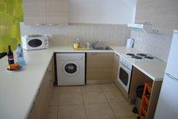 Кухня. Кипр, Гермасойя Лимассол : Мезонет с гостиной и двумя отдельными спальнями