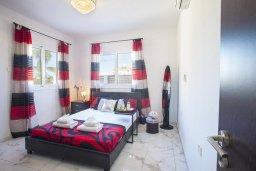 Спальня. Кипр, Санрайз Протарас : Новое просторное бунгало с 3-мя спальнями, с бассейном, патио с барбекю, расположено в самом сердце Протараса