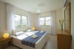 Спальня 3. Кипр, Пернера : Вилла на берегу моря с 3-мя спальными, с бассейном, барбекю и солнечной террасой, расположена у красивого пляжа с белым песком Pernera