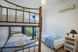 Спальня 2. Кипр, Пернера : Уютная красивая вилла с 2-мя спальнями, с просторным зелёным двориком,  с крытой меблированной террасой и барбекю