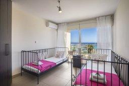 Спальня 2. Кипр, Фиг Три Бэй Протарас : Потрясающий апартамент на побережье с потрясающим панорамным видом на Средиземное море, в комплексе с общим бассейном