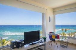 Вид на море. Кипр, Фиг Три Бэй Протарас : Потрясающий апартамент на побережье с потрясающим панорамным видом на Средиземное море, в комплексе с общим бассейном