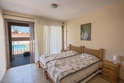 Спальня 2. Кипр, Центр Айя Напы : Апартамент с большой гостиной, двумя отдельными спальнями и террасой, расположен в комплексе с общим бассейном в 400 метрах от пляжа Limanaki beach