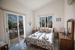 Спальня. Кипр, Сиренс Бич - Айя Текла : Прекрасная современная вилла с 3-мя спальнями, с частным бассейном, просторным садом с патио и барбекю
