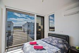Спальня 2. Кипр, Каппарис : Современная и роскошная вилла с 3-мя спальнями, с просторным бассейном, патио и барбекю