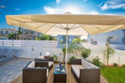 Территория. Кипр, Каппарис : Современная и роскошная вилла с 3-мя спальнями, с просторным бассейном, патио и барбекю