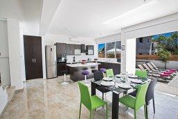 Гостиная. Кипр, Каппарис : Современная комфортабельная вилла с 3-мя спальнями, с просторным бассейном и солнечной террасой с барбекю