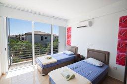 Спальня 2. Кипр, Каппарис : Современная комфортабельная вилла с 3-мя спальнями, с просторным бассейном и солнечной террасой с барбекю