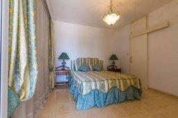 Спальня 2. Кипр, Гермасойя Лимассол : Апартамент в 100 метрах от моря в комплексе с бассейном, с гостиной, двумя спальнями, двумя ванными комнатами и балконом с боковым видом на море