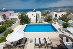 Бассейн. Кипр, Лачи : Потрясающая вилла с 3-мя спальнями, с панорамным видом на море и горы Troodos, с бассейном и солнечной террасой