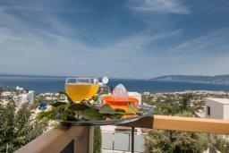 Вид на море. Кипр, Лачи : Потрясающая вилла с 3-мя спальнями, с панорамным видом на море и горы Troodos, с бассейном и солнечной террасой