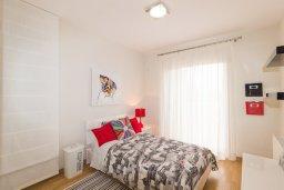 Спальня 2. Кипр, Св. Рафаэль Лимассол : Вилла с бассейном и зеленым двориком, гостиная, 3 спальни, 2 ванные комнаты, барбекю, парковка, Wi-Fi