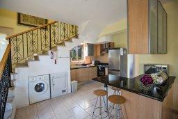 Кухня. Кипр, Санрайз Протарас : Потрясающая вилла с 3-мя спальнями,  с частным бассейном, тенистой верандой и традиционным барбекю, расположена у пляжа Marlita Beach