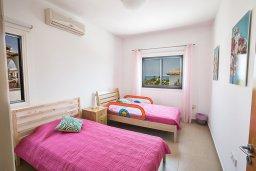 Спальня 3. Кипр, Коннос Бэй : Комфортабельная вилла в 100 метрах от моря, с 3-мя спальнями, с бассейном, просторным садом с патио и барбекю