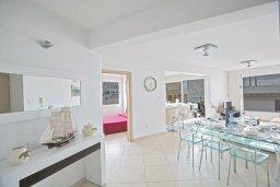 Гостиная. Кипр, Фиг Три Бэй Протарас : Апартамент с 3-мя спальнями, 2-мя ванными комнатами и балконом с панорамным видом на море, расположен в 85 метрах от пляжа