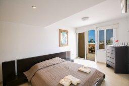 Спальня 2. Кипр, Фиг Три Бэй Протарас : Апартамент с 3-мя спальнями, 2-мя ванными комнатами и балконом с панорамным видом на море, расположен в 85 метрах от пляжа